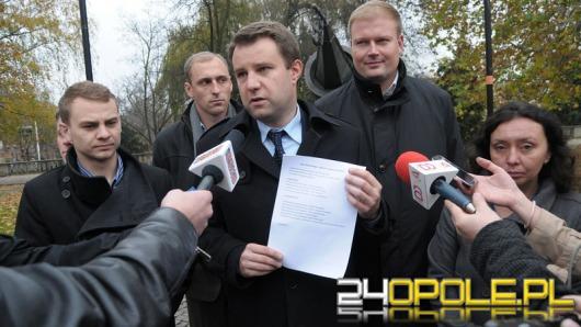Wiśniewski przedstawia radnych i zaczyna szukać koalicjantów