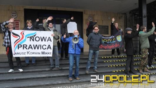 Protest pod opolską delegaturą wyborczą: PKW do domu!