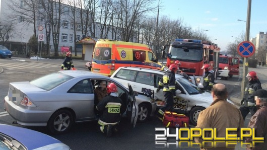 Wypadek na Chabrach. Dwie kobiety ranne.