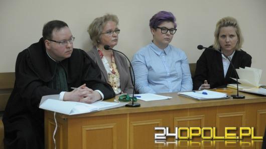 Spór o krzyż w pokoju nauczycielskim trafił do sądu