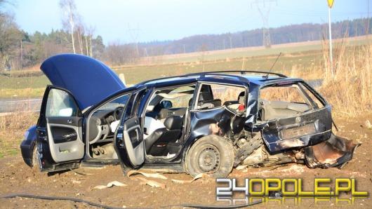 Wypadek podczas wyprzedzania na trasie Opole - Nysa