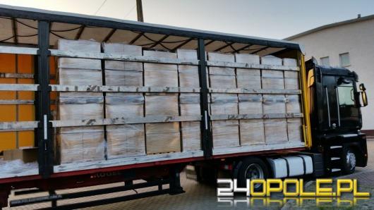 Kierowca ciężarówki wiózł 600 tysięcy nielegalnych papierosów