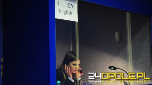 Językowi tytani pojadą do Brukseli