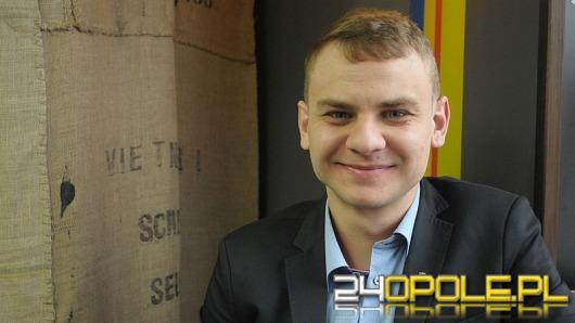 Marcin Rol: Dobrze, że śmiejemy się z polityki