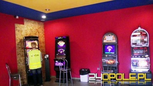 Celnicy i policjanci zlikwidowali nielegalne automaty do gier