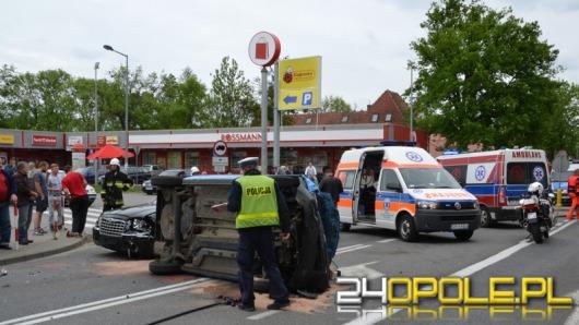 Dwa groźne wypadki w Niemodlinie. 5 osób rannych.