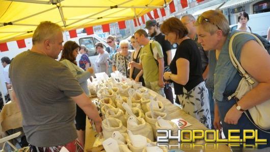 Opolski rynek pełen smakowitych potraw