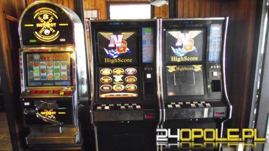 Policjanci i celnicy zabezpieczyli 60 automatów do gier hazardowych
