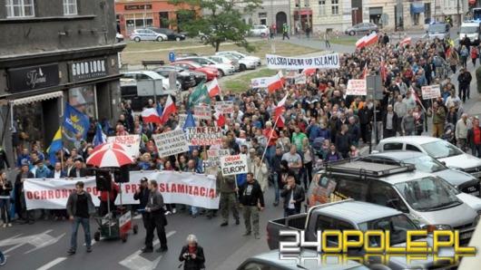 Marsz przeciwko islamizacji Polski przeszedł ulicami Opola
