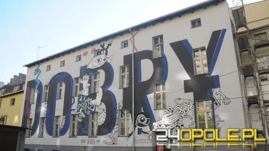 Ogromny mural przy ul. Sienkiewicza jest już gotowy