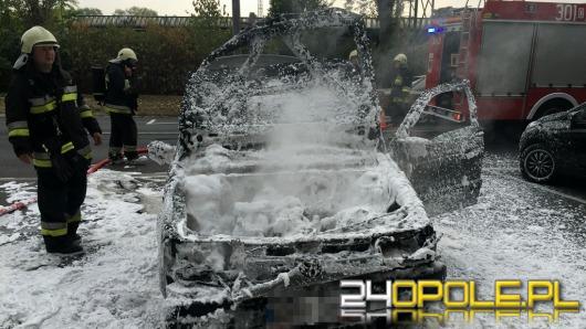 Pożar samochodu na ul. Armii Krajowej