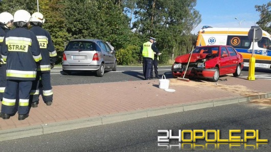 Trzy osoby ranne w wypadku na trasie Ozimek - Grodziec