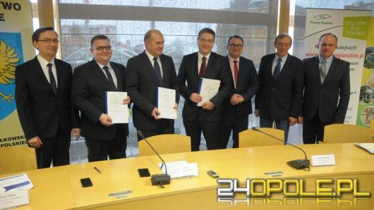 Samorząd województwa podpisał umowę z Przewozami Regionalnymi