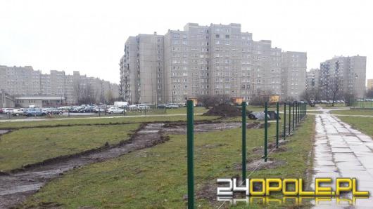 Przy ul. Pużaka powstaje park dla psów
