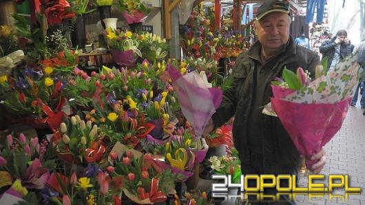 Dziś Dzień Kobiet. Jakie kwiaty panowie kupują najczęściej?