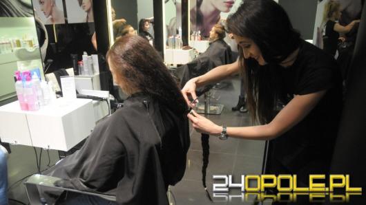 Opolanki ścinały włosy, by pomóc kobietom z rakiem