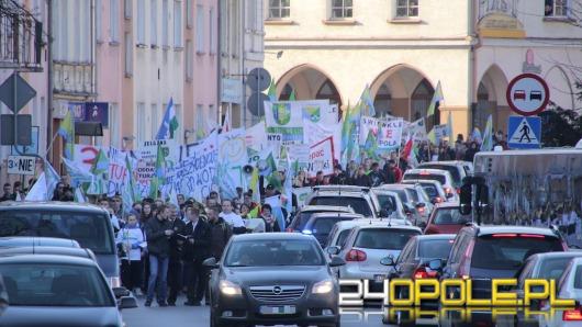 Mieszkańcy podopolskich gmin tłumnie protestowali przeciwko powiększeniu miasta