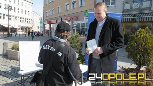 .Nowoczesna rozdaje w Opolu konstytucję