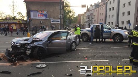 Groźny wypadek w Opolu. Jedna osoba ciężko ranna.