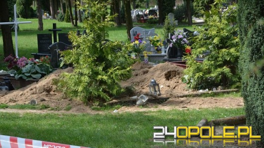 22-latek zatrzymany po dewastacji grobów w Dąbrowie