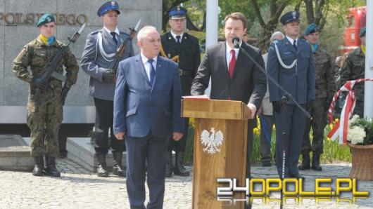 3-majowe obchody z gwizdami przeciwników powiększenia Opola