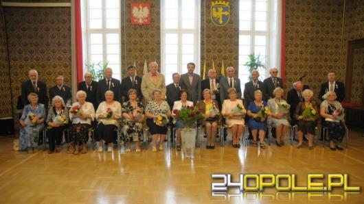 W ratuszu wręczono medale za długoletnie pożycie małżeńskie