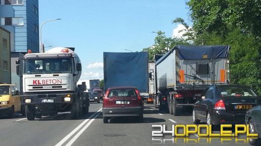 Wojewoda apeluje do kierowców: omijajcie dziś autostradę A4!