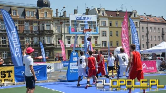 Plac Kopernika areną zmagań koszykarzy