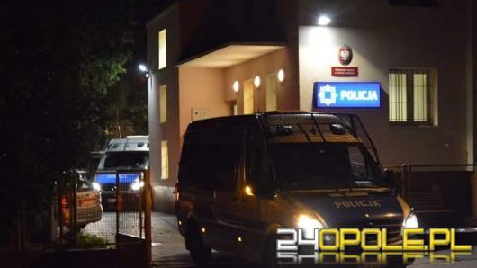 W Lewinie Brzeskim trwa obława na mężczyznę, który uciekł policjantom