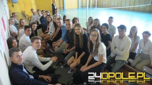 Pierwszy dzwonek za nami, uczniowie wrócili do szkół
