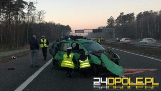 Wystrzał opony przyczyną groźnego wypadku na autostradzie A4
