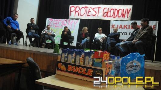 Część głodujących przeciw powiększeniu Opola zawiesi protest