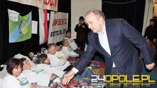 Grzegorz Schetyna wstawi się za głodującymi u premier Beaty Szydło