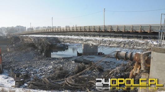 Stary most nad Kanałem Ulgi jest już prawie rozebrany