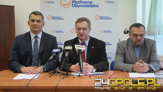 """Opolscy parlamentarzyści PO przedstawili """"Dekalog Wolności"""""""