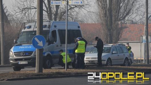 Pijany kierowca uderzył w radiowóz na skrzyżowaniu