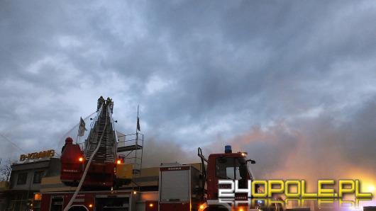 Duży pożar hurtowni elektronarzędzi przy ul. Budowlanych