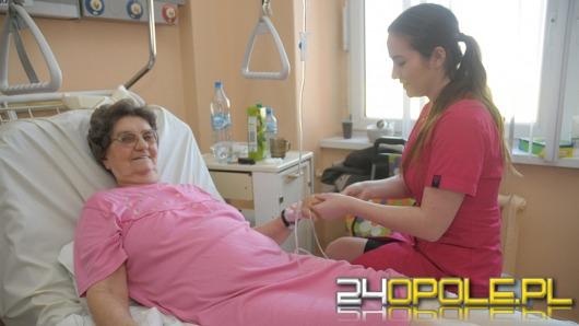 Dzień Kobiet w WCM. Studentki umilały czas pacjentkom szpitala.