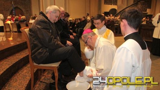 Wierni Kościoła Katolickiego przeżywają Triduum Paschalne