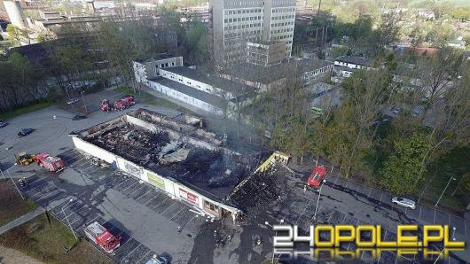 2 miliony zł strat po pożarze Biedronki. Zobacz zdjęcia z drona.