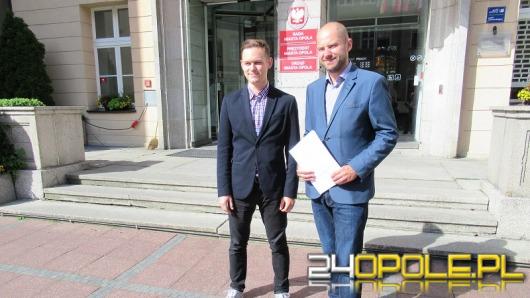 Radni PO: chcemy 1000 zł dla pierwszaków