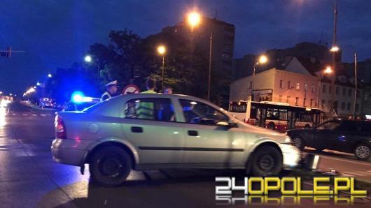 Po kolizji w Opolu policja kieruje ruchem