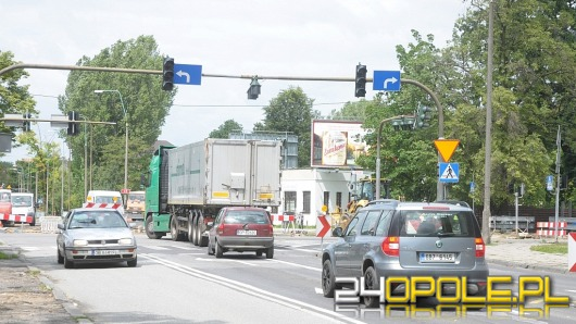 Apel kierowcy MZK: wyłączcie światła na Zaodrzu!