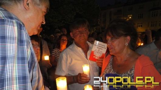 """""""W Polsce skończyła się demokracja!"""". Protest i blokada drogi w Opolu"""