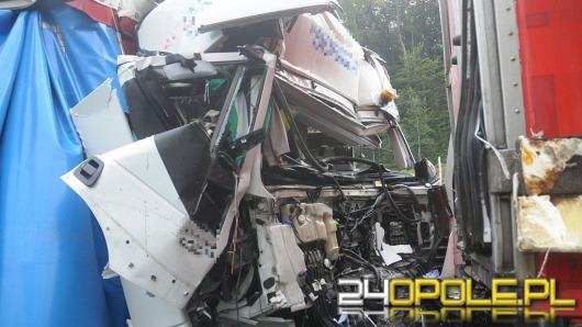 Zderzenie ciężarówek na A4, jedna osoba ranna. Kilkukilometrowy korek
