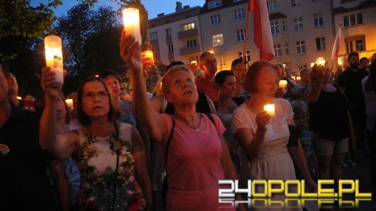 """""""Łańcuch Światła"""" w Opolu. Przemawiał Józef Pinior"""