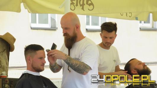 Zbierali pieniądze na operację dla Laury. Charytatywna akcja barberów w Opolu