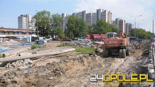Remont ulicy Niemodlińskiej. Problemy z przełożeniem sieci