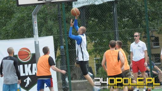 Orlik przy ulicy Czaplaka opanowali uliczni koszykarze