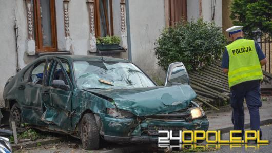 Pijany kierowca wjechał w dom w Komprachcicach
